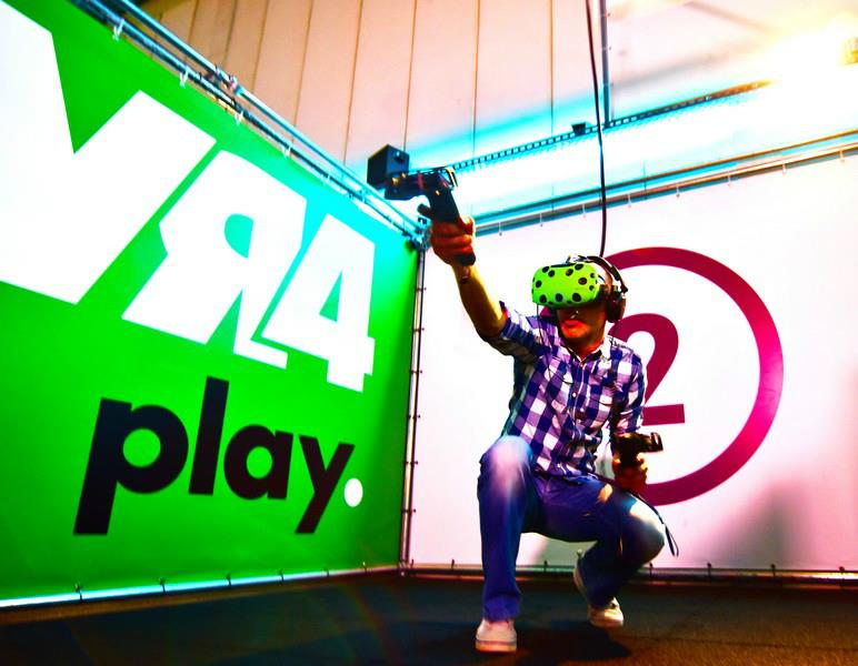 VR vril speler op de grond